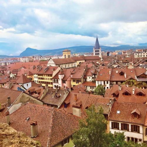 Annecy, vue sur les toits de la vieille ville
